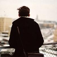帅哥背影qq头像 在寂寞时想念一个人